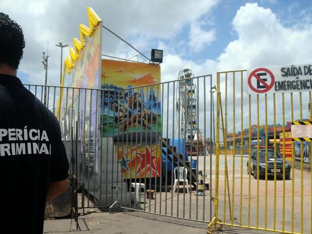 Peritos buscam causa do acidente em Parque de Diversões (Foto: Honório Moreira)