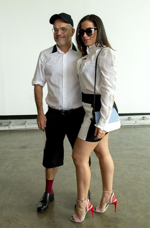 Anitta e o diretor de arte Giovanni Bianco  (Foto: Andr Bittencourt)