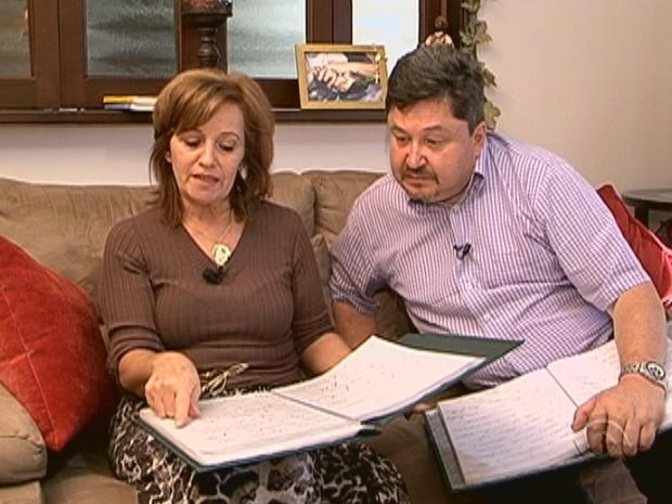 Jairo e Sayonara Marques querem publicar livro com cartas psicografadas (Foto: Reprodução/ RBS TV)