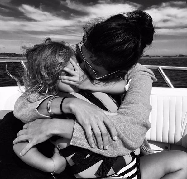 Uma foto do ensaio de Kourtney Kardashian com os filhos (Foto: Instagram)