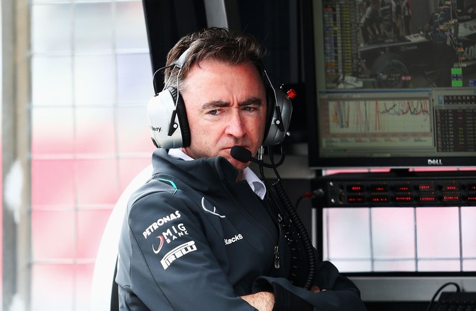 Paddy Lowe no pitwall da Mercedes (Foto: Getty Images)