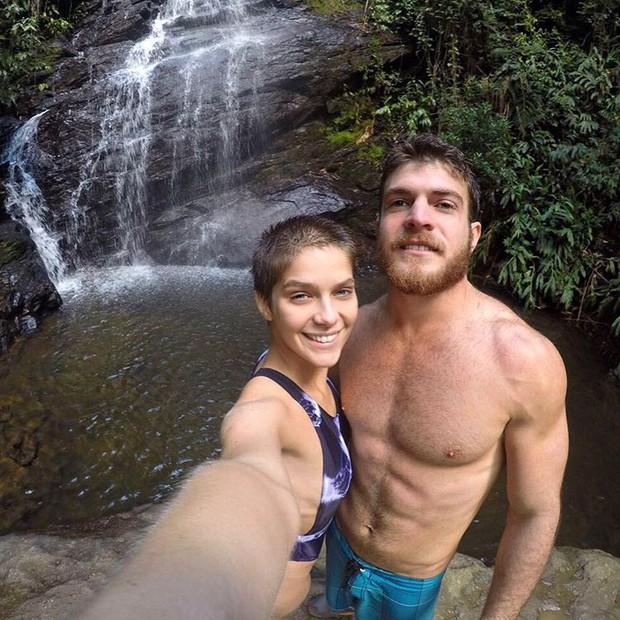 Isabela Santoni e namorado (Foto: Reprodução/ Instagram)