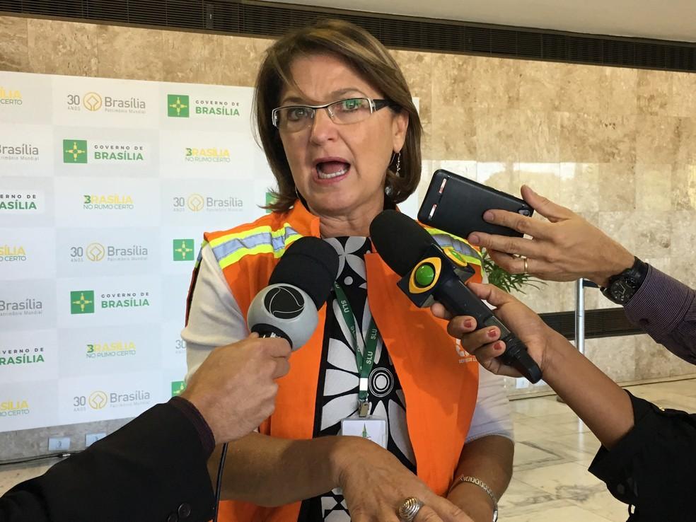 Presidente do Serviço de Limpeza Urbana do DF, Kátia Campos (Foto: Luiza Garonce/G1)