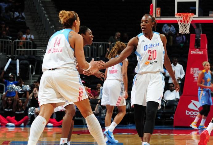 erika e sancho lyttle Chicago Sky x Atlanta Dream wnba basquete (Foto: Getty Images)