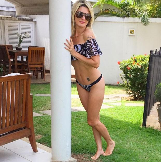 Antonia: barriga e tattoo (Foto: Reprodução Instagram)