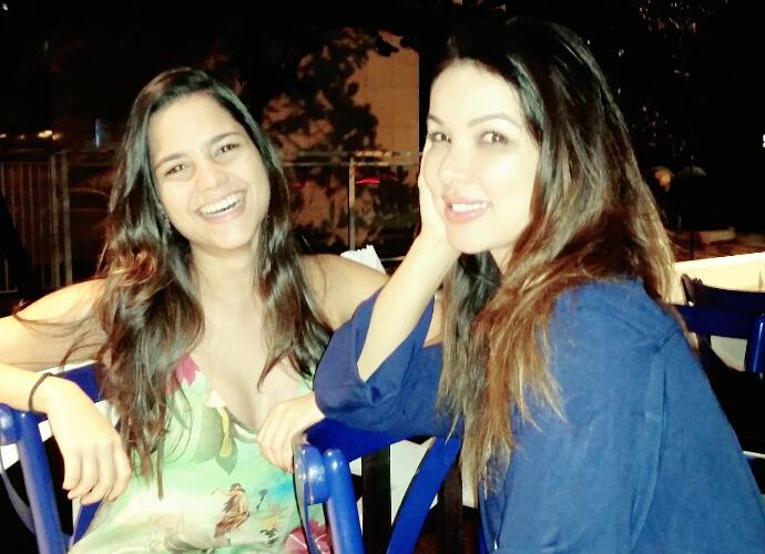 Ana Rafaela e Liah Soares sempre trocam ideia sobre músicas (Foto: Arquivo Pessoal)