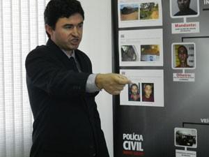 Helder Carneiro explicou como foi a execução das vítimas (Foto: Felipe Santos/G1)