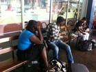 RS recebe novo ônibus de haitianos, mas grupo decide ir a outros estados