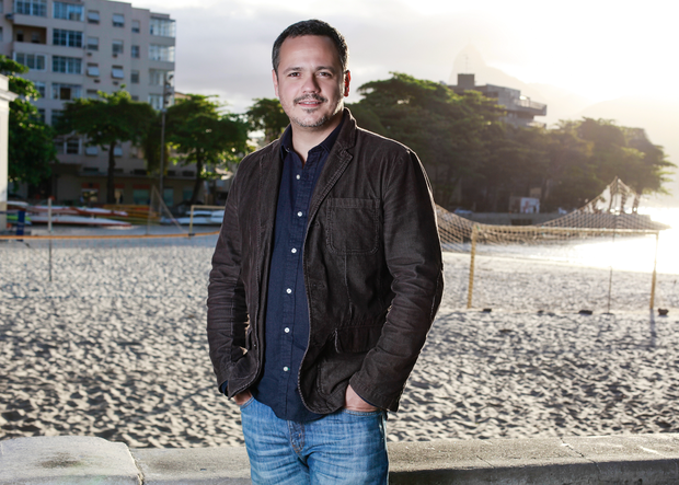 Danton Mello na Urca (Foto: Anderson Barros/EGO)