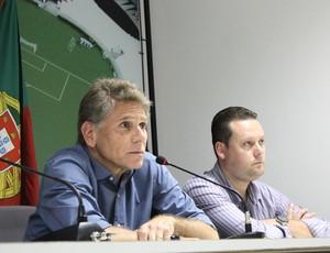 cristiano Koehler Paulo autuori vasco apresentação (Foto: Marcelo Sadio / Vasco.com.br)
