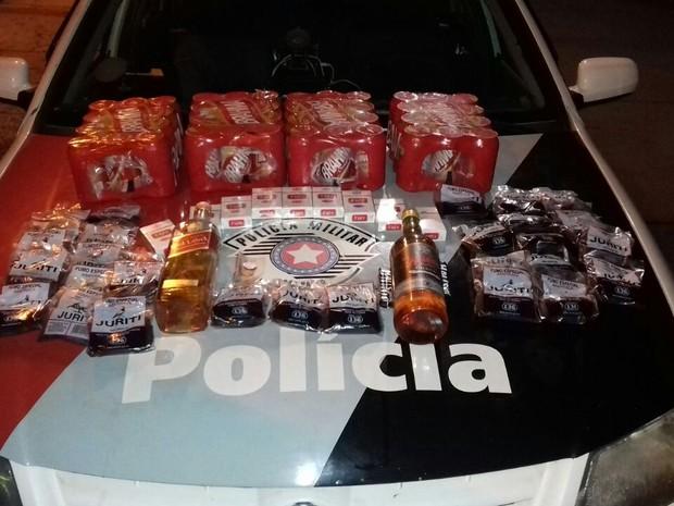 Homem furtou cerveja e cigarros (Foto: Polícia Militar/Divulgação)