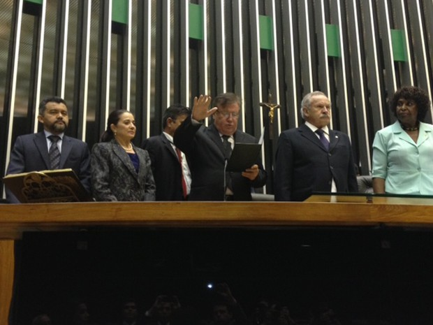 Suplente de Donadon, Amir Lando (PMDB-RO), toma posse na Câmara  (Foto: Fabiano Costa/ G1)