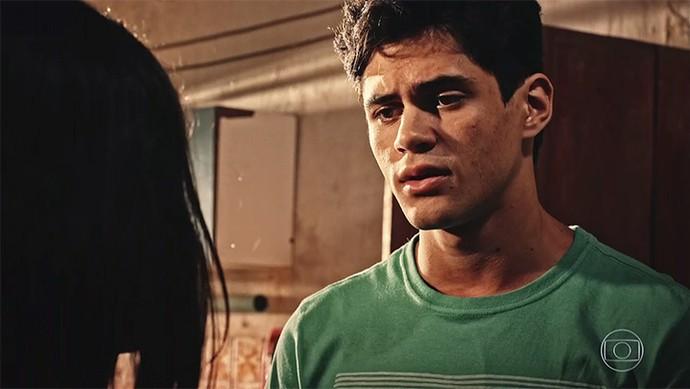 Lucas diz que sentiu ciúmes da aproximação de Olívia com Miguel (Foto: TV Globo)