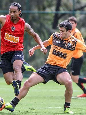 Rosinei e Leandro Donizete no treino do Atlético-MG (Foto: Bruno Cantini / Flickr do Atlético-MG)