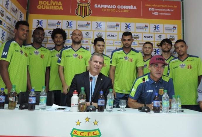 Elenco do Sampaio foi apresentado e treinador efetivado foram apresentados no CT do clube (Foto: Divulgação)