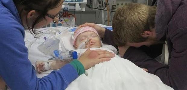 A criança chegou a ficar dois dias internada antes dos aparelhos serem desligados  (Foto: GoFundMe)