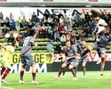 Amauri faz dois gols e garante vaga do Parma na próxima Liga Europa