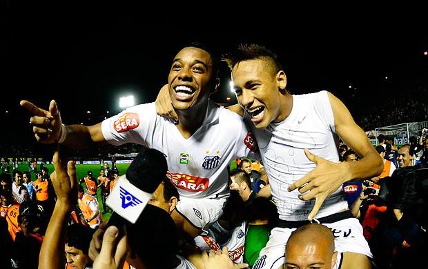 Robinho Neymar comemoração Santos  (Foto: Marcos Ribolli / GLOBOESPORTE.COM)