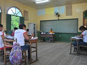 Escola Estadual Dr. Augusto Monteiro, na zona rural de Rio Branco, teve a menor média do Brasil no Enem 2014 (Foto: Caio Fulgêncio/G1)