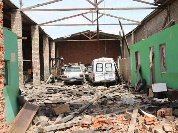 Desabamento ocorreu na última terça-feira (Foto: Dani Olivera/Jornal A Nossa Voz)