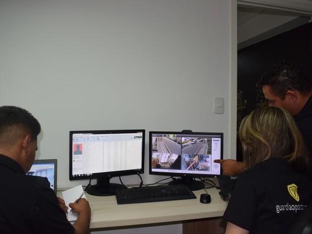Equipes acompanham as movimentações por meio de câmeras de segurança  (Foto: Divulgação)