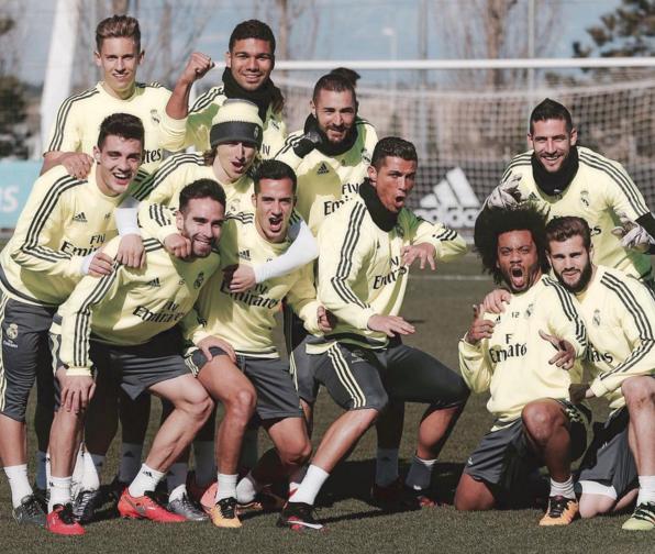 BLOG: Casemiro posta foto após treino, e Cristiano Ronaldo faz pose à la Bruce Lee
