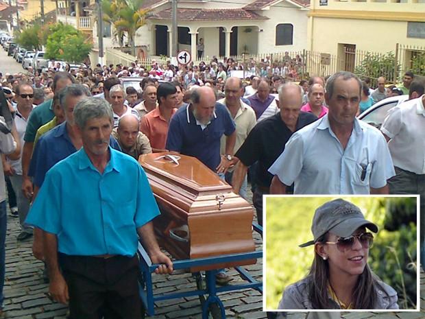 Corpo de jovem que morreu no Canadá é enterrado no Sul de Minas. (Foto: Marco Antônio Leite / EPTV)