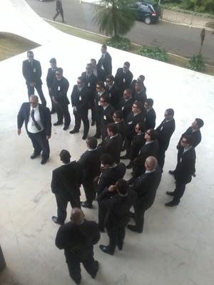 Seguranças do STF passam por treinamento um dia antes do início do julgamento do mensalão (Foto: Mariana Oliveira / G1)