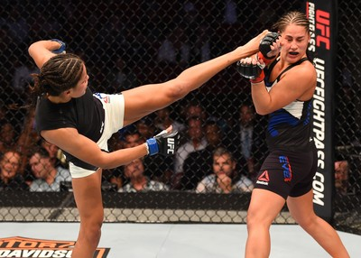 Julianna Peña x Jessica Eye UFC 192 MMA (Foto: Getty Images)