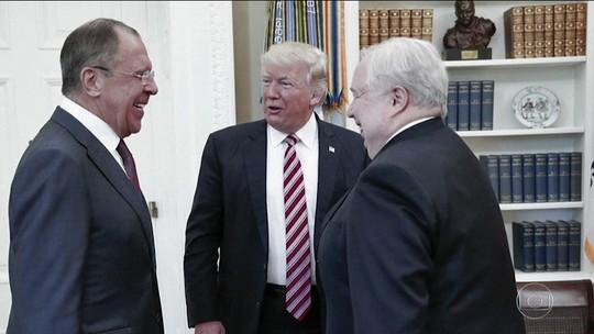 Reportagens falam sobre suposta ligação de Trump com a Rússia