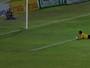 Lateral comemora gol, mas se frustra ao juiz não enxergar bola entrar; vídeo