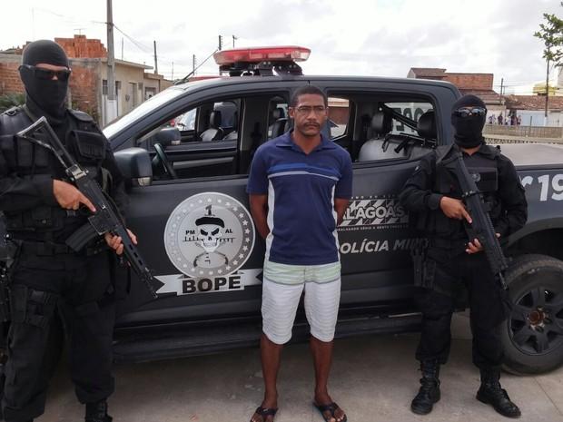 Luciano Batista dos Santos, 42 anos, estava há sete anos de prisão (Foto: Ascom/Polícia Militar)