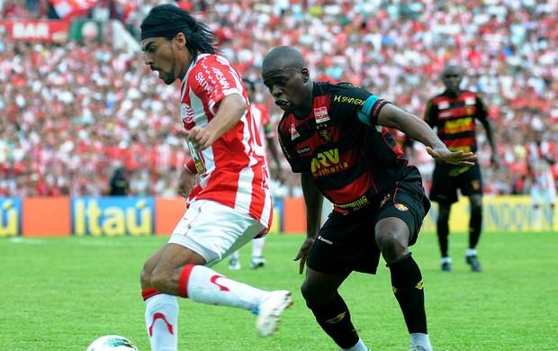 náutico x sport araújo tobi (Foto: Aldo Carneiro / Pernambuco Press)