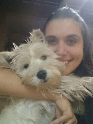 Lakshmi e a coordenadora escolar Tatiana Cordero Merono de Moura (Foto: Arquivo pessoal)