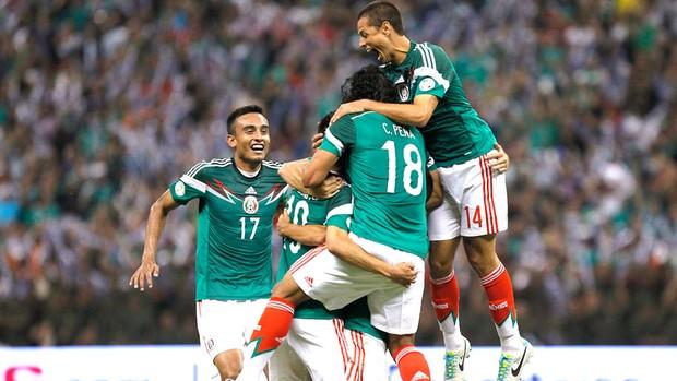 Comemoração do México contra o Panamá (Foto: Agência Reuters)