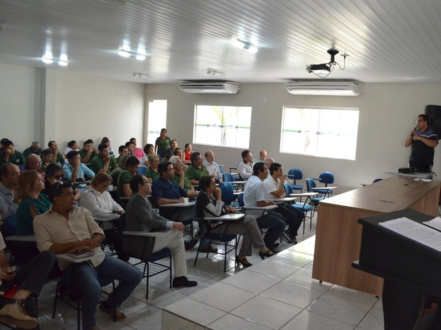 Encontro foi realizado no Centro Municipal de Informação e Educação Ambiental (Ciam) (Foto: Aritana Aguiar)