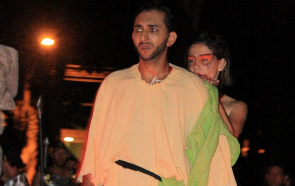 Acompanhe a encenação do ator que se enforcou acidentalmente (Foto: Sandro Azevedo/Virtual Guia)