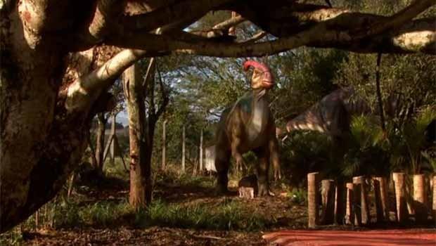 Dinossauros de todos os tipos estão no Vale dos Dinossauros de Foz do Iguaçu (Foto: Reprodução)
