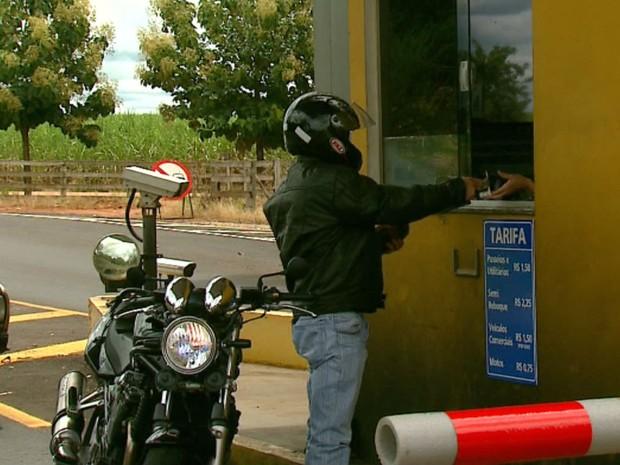 Motociclistas agora terão que pagar para passar pelo local (Foto: Marlon Tavoni/EPTV)