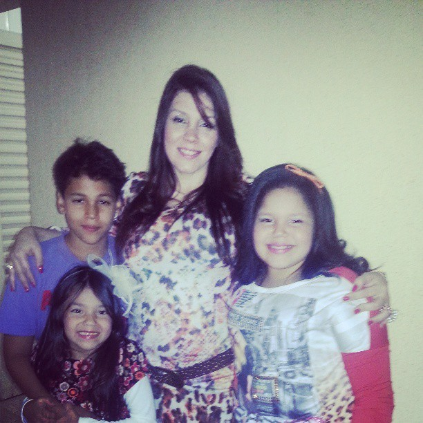 Simony e os filhos (Foto: Reprodução/Instagram)