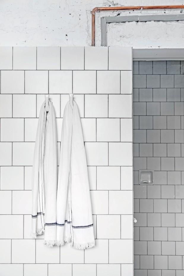 Banheiro - projeto executado pelo arquiteto Felipe Hess (Foto: Fran Parente / Divulgação)