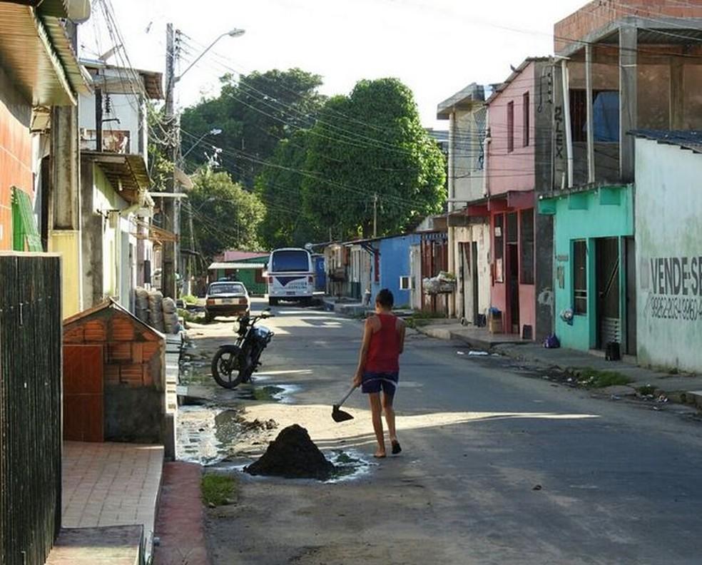 Rua onde ocorreu o crime, em Manaus (Foto: Adneison Severiano/G1 AM)