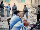 Sobreviventes são resgatados após terremoto no centro da Itália
