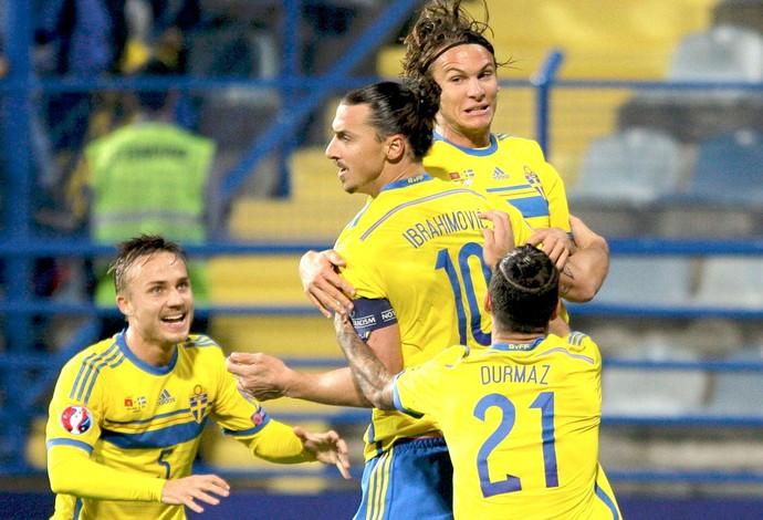 Ibrahimovic, Suécia X Montenegro (Foto: Agência Reuters)