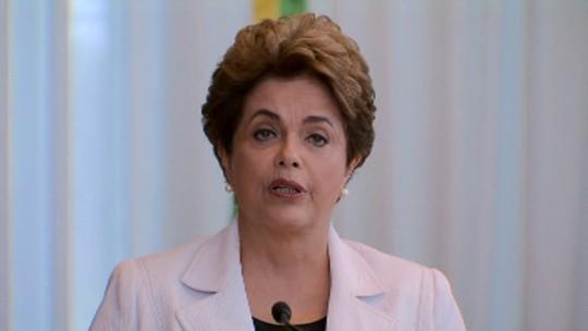 Em carta, Dilma diz acolher crítica a  erros e propõe plebiscito sobre eleição