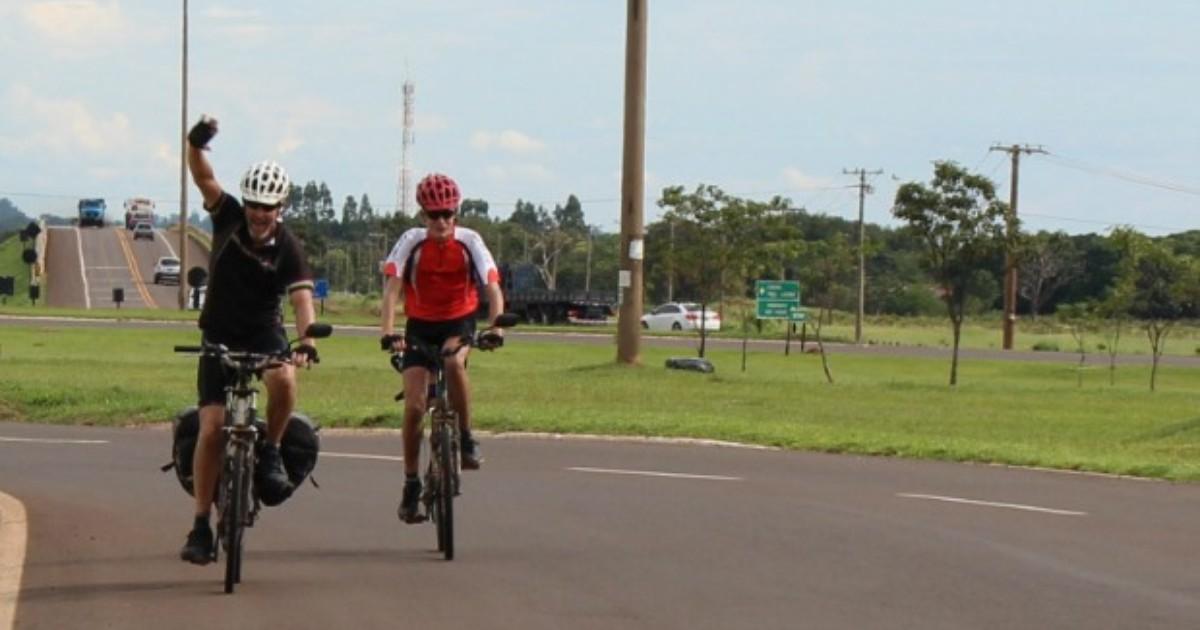 Pai e filho pedalam 1.350 km em 12 dias para chegar a Campo ... - Globo.com