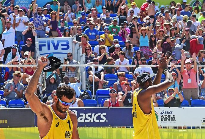 Pedro Solberg e Evandro avançam à final do Grand Slam de Long Beach (Foto: Divulgação / FIVB)