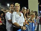 Xuxa e novo namorado curtem carnaval do Rio: 'Feliz pacas'