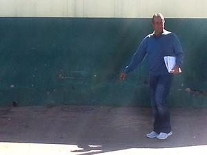 Valdemar Costa Neto deixa o Centro de Progressão Penitenciária para ir ao trabalho (Foto: Raquel Morais)