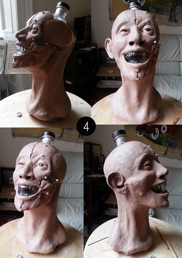 Escocês utilizou massa especial para criar camadas de pele e músculo para reconstruir o rosto (Foto: Reprodução/Facebook/Crystal Head Vodka)